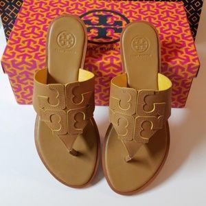 de8ccdc45dc9 Tory Burch Shoes - NIB Tory Burch Jamie Full Logo Thong Size 7